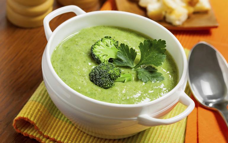 Αποτοξινωτική πράσινη σούπα λαχανικών
